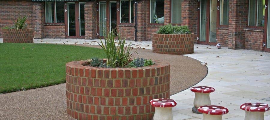 Gardening for the senses at Naomi House
