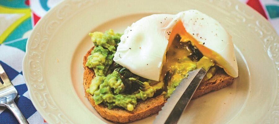 KALE & AVOCADO TOAST WITH POACHED EGG
