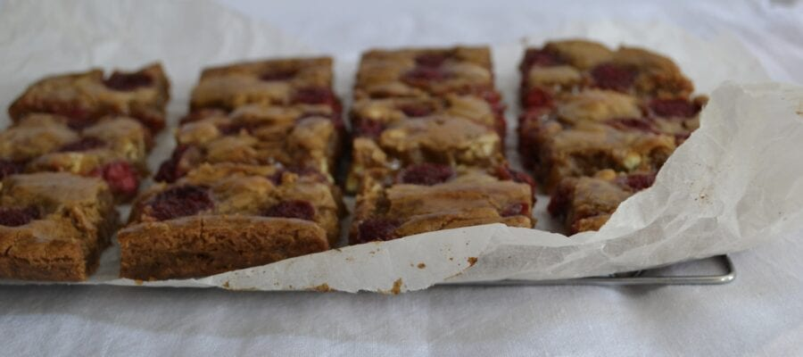 Raspberry brown sugar blondies
