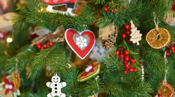 ideas for old Christmas trees